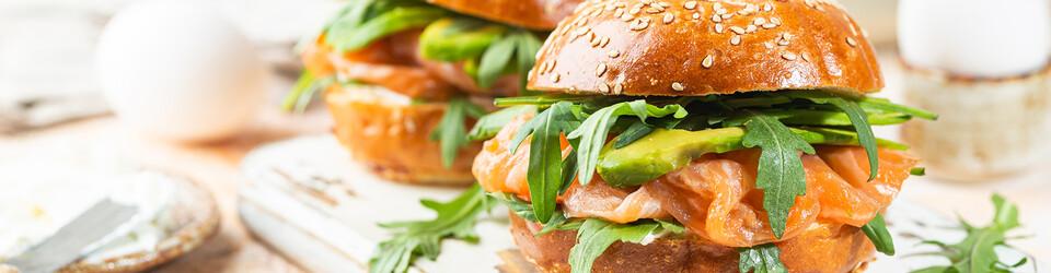 Imbiss, Metzgerei und Bäckerei mit Fastfood und Snack Angeboten